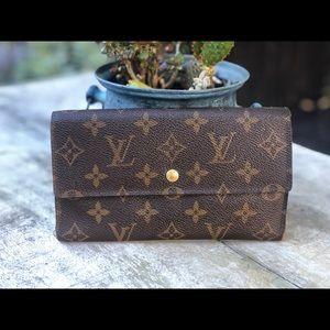 Authentic Louis Vuitton Tressor Long Wallet🌺